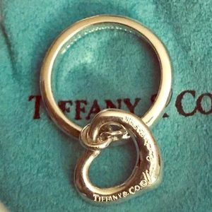 TIffany&CO Elsa Peretti dangling heart ❤️ ring